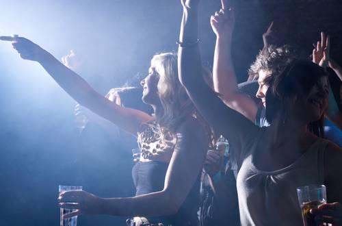Die besten Ausgehtipps für unvergessliche Partynächte auf Mallorca
