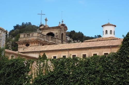 Die stimmungsvollsten Klöster auf Mallorca – Begeisternde Highlights