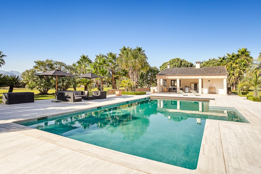 Januar2021-Anwesen-Pool-3