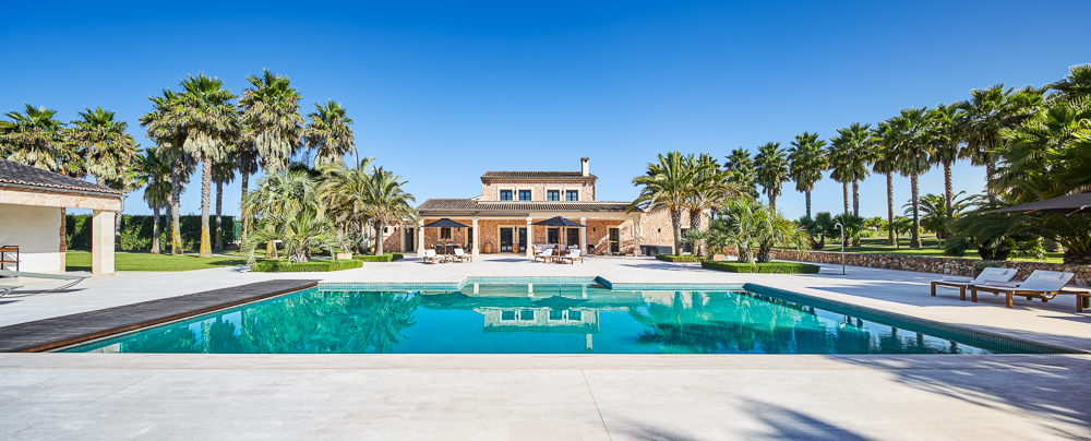 Januar2021-Anwesen-Pool