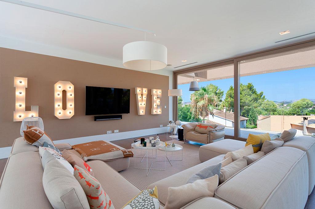 Luxus Designer Villa in bester Lage – exklusiv bei Marcel Remus im November!