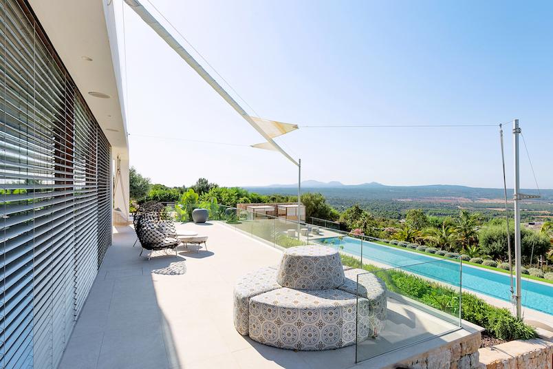 Traumhafte moderne Finca mit Meerblick – Immobilie des Monats Mai 2021